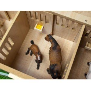 Hestestald med 7 hestebokse Kids Globe